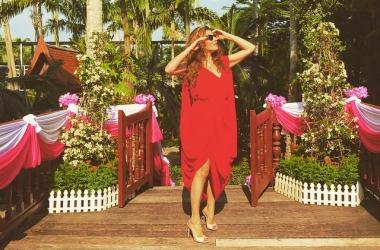 Жанна Бадоева снова стала невестой: какое свадебное платье выбрала телеведущая