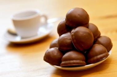 Зефир в шоколаде: 15 минут - и десерт готов (простой вкусный рецепт)