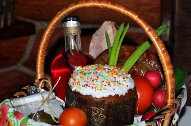 Готовимся к Пасхе 2015: пасхальная корзина от ресторана Царьград