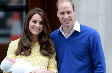 Новые фото маленькой английской принцессы Шарлотты взорвали сеть