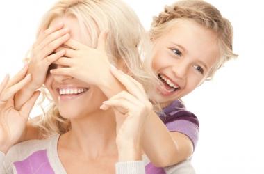 День матери: красивые короткие смс поздравления маме и бабушке