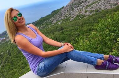 Худышка Яна Клочкова в бикини: спортсменка открыла купальный сезон