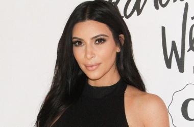 Ким Кардашьян увековечат в воске в процесе селфи