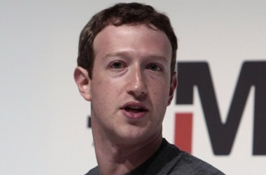 Марк Цукерберг празднует день рождения: какие снимки опубликовал владелец Facebook на своей страничке