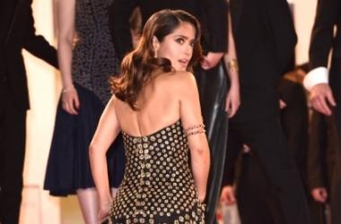 Каннский фестиваль 2015: Сальма Хайек выбрала очень откровенное платье