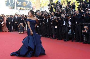 Канны 2015: роскошные и необычные платья звезд