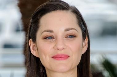 Марион Котийяр - королева красной дорожки Канн 2015: лучшие образы актрисы