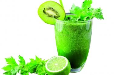 Зеленый смузи для красоты и здоровья: 5 вкусных рецептов
