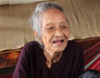 Старейшая жительница Земли - 121-летняя Нгиен Ти Тру из Въетнама