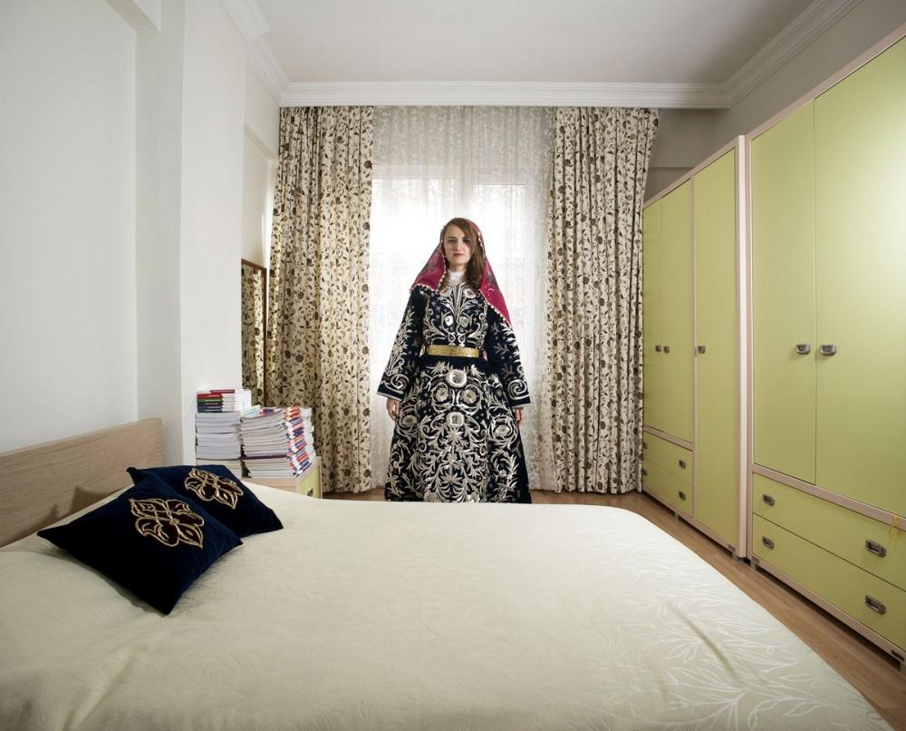 Зеркала и окна_женская спальня