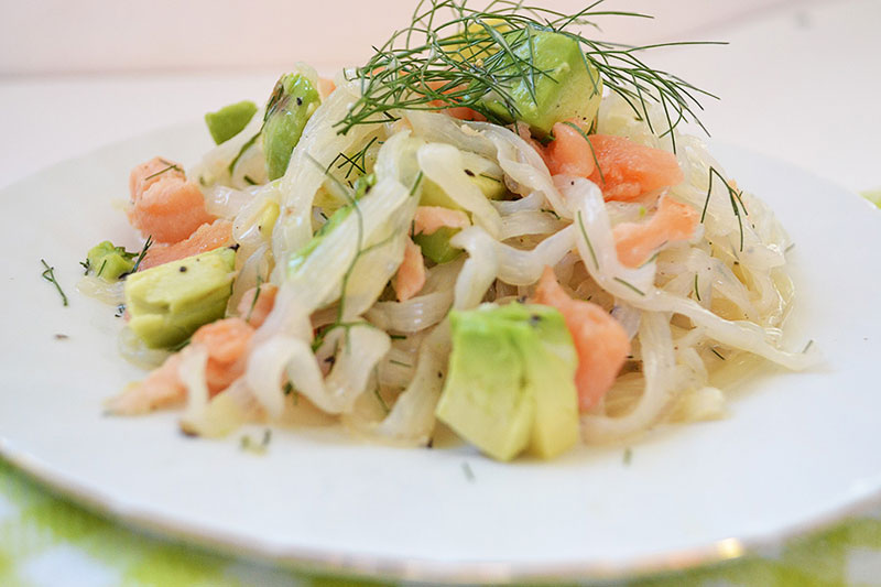 Смотреть Рецепт дня с Ширатаки: Вермишель Ширатаки с треской и овощами (пошаговый рецепт с фото) видео