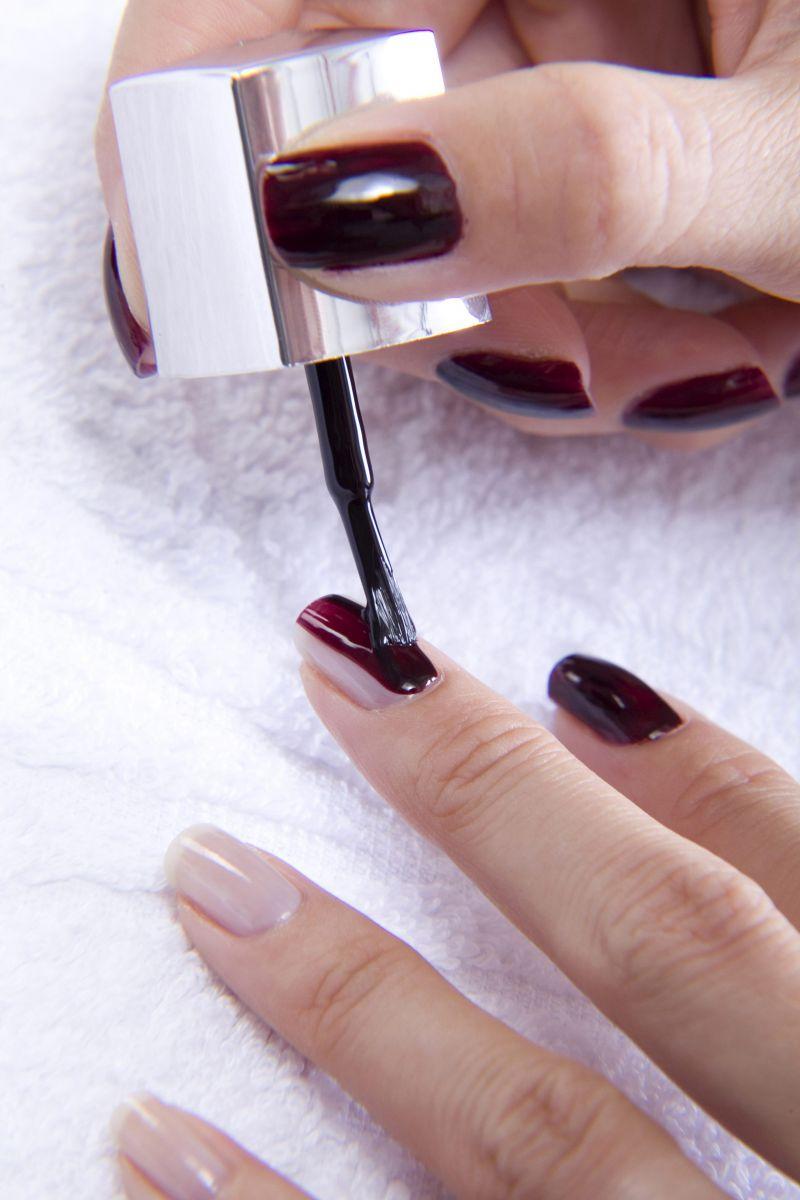 Как сделать лак для ногтей в домашних условиях ютуб