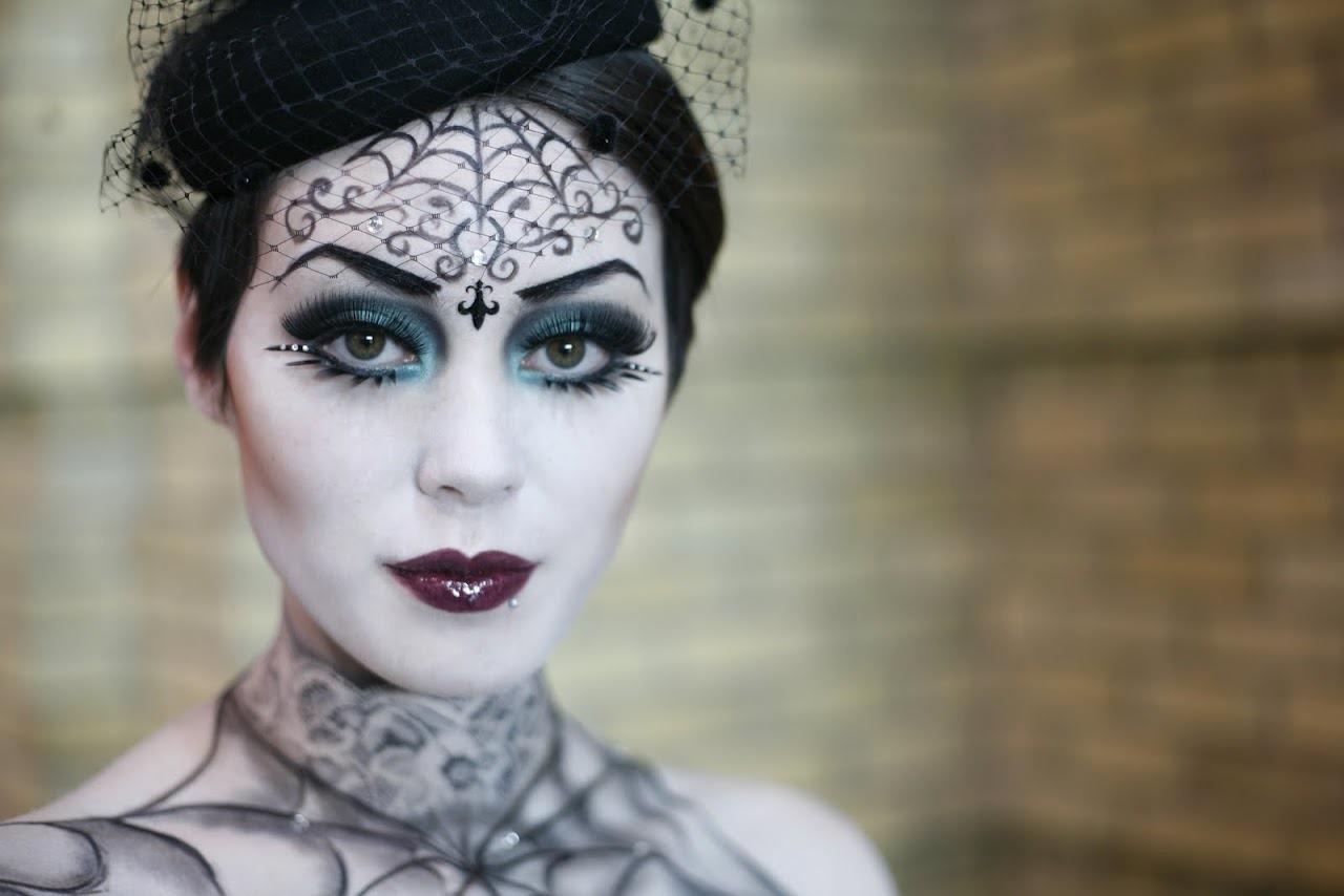 Как смыть грим и снять макияж после Хэллоуина: несколько хитростей в 2019 году