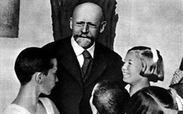 Януш Корчак фото