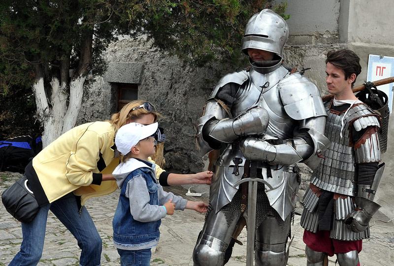 Майские праздники 2015: куда поехать в Украине Фестиваль Форпост, Каменец-Подольский 1-4 мая