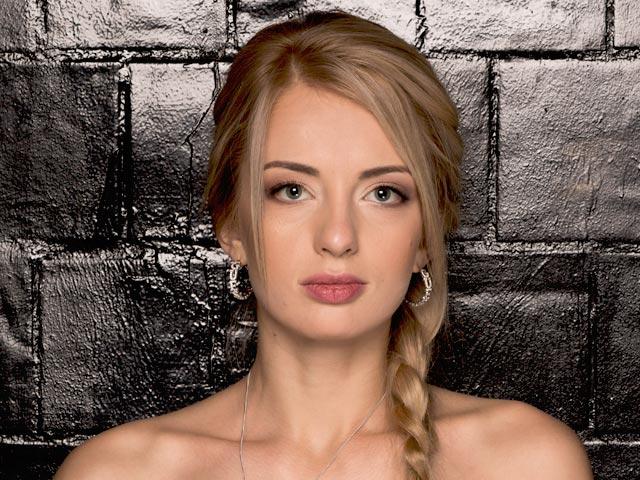 Холостяк 5 участница Юлия Возраст: 25 лет. Город: Киев.