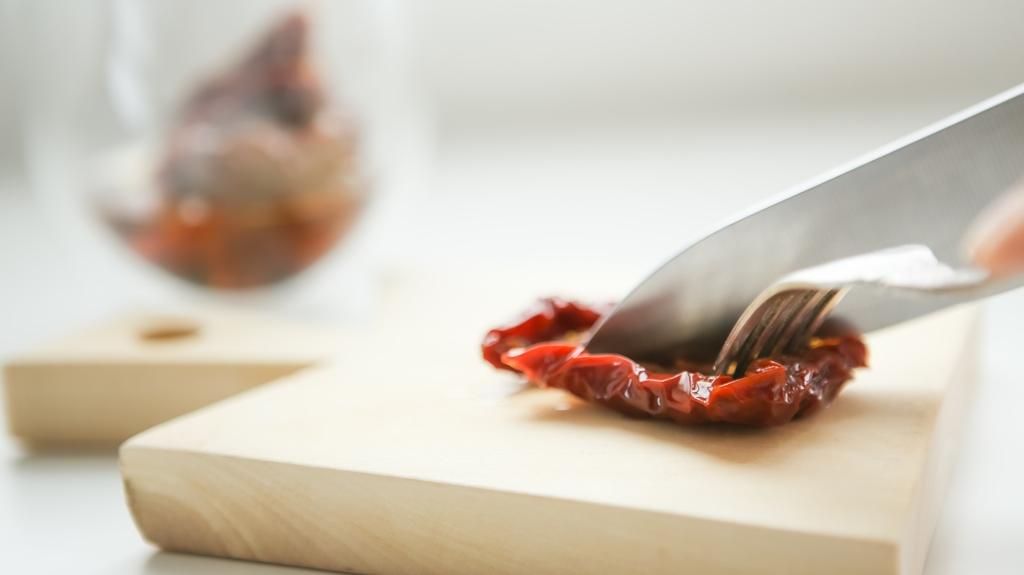 """Рецепт дня от """"Веселої Корівки"""": жюльен с плавленым сыром (пошаговый рецепт с фото)"""