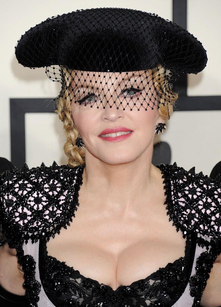 Мадонна после пластических операций пластики на Гремми 2015