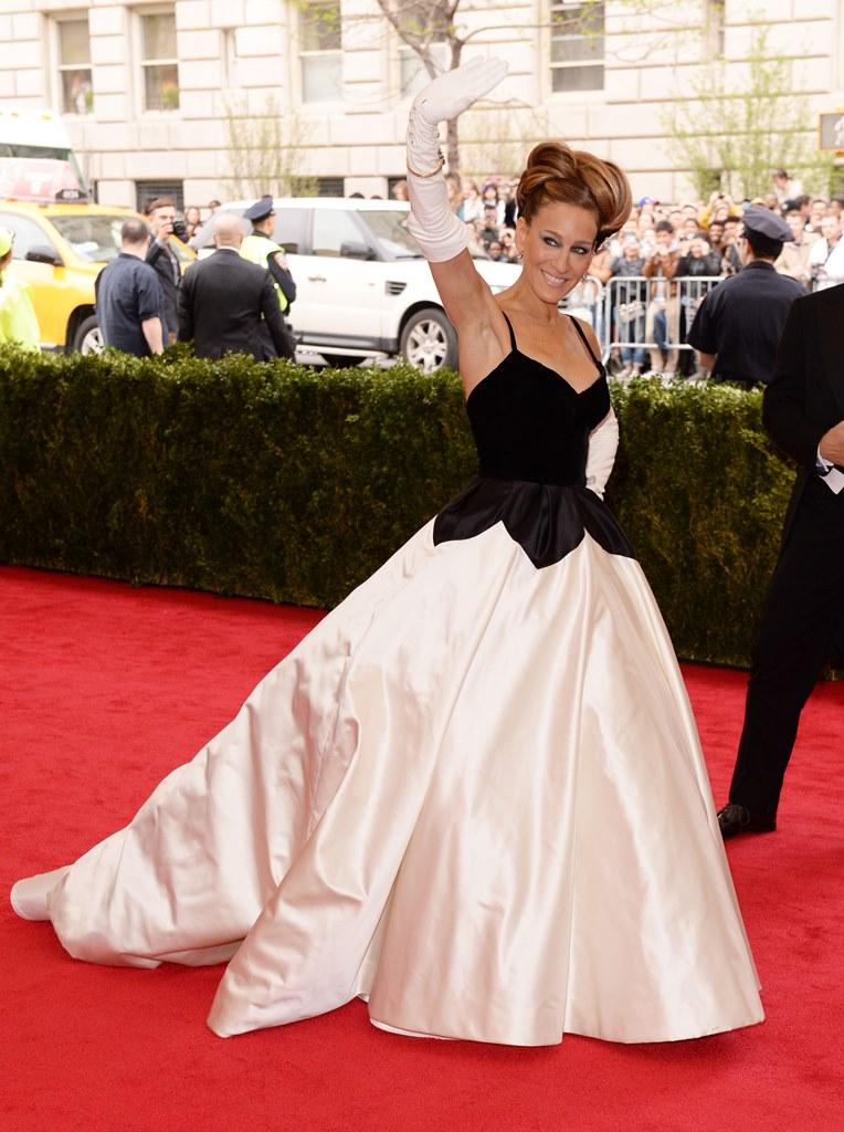 Сара Джесика Паркер в платье OSCAR DE LA RENTA
