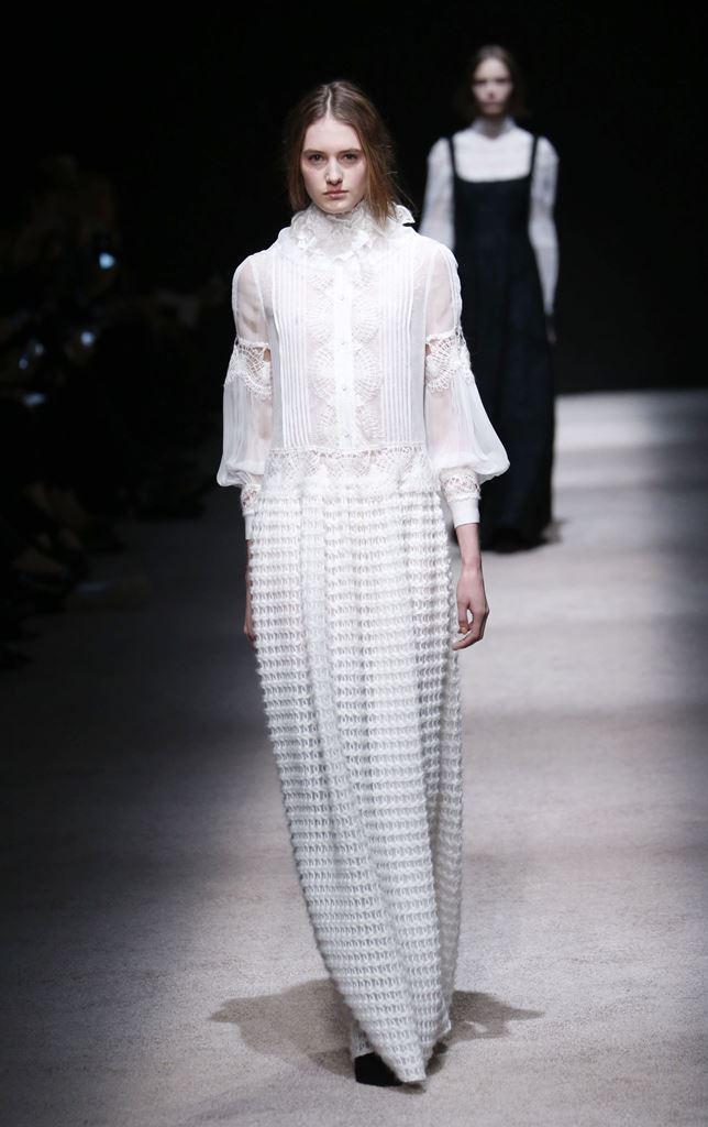 мода осень 2015 белое платье