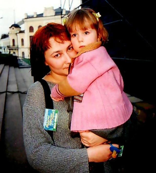 Алена Мозговая с дочкой