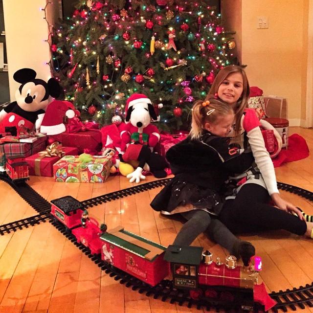 Анна Седокова дочки Новый год 2015 подарки фото