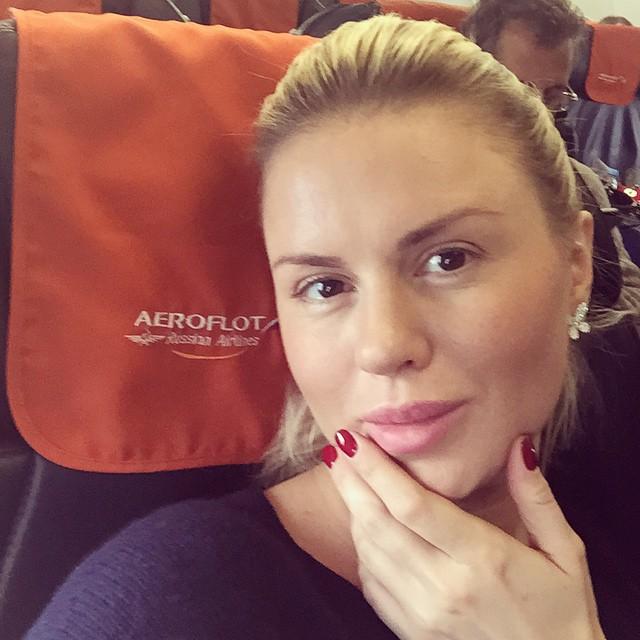 Анна Семенович без макияжа и фотошопа
