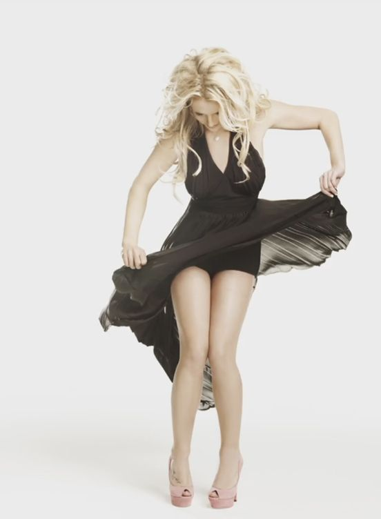 Бритни Спирс фигура ноги бюст