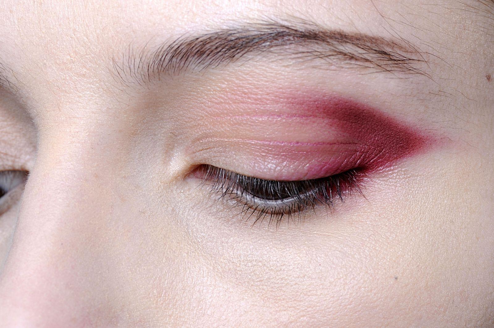 макияж с бордовыми тенями 2013
