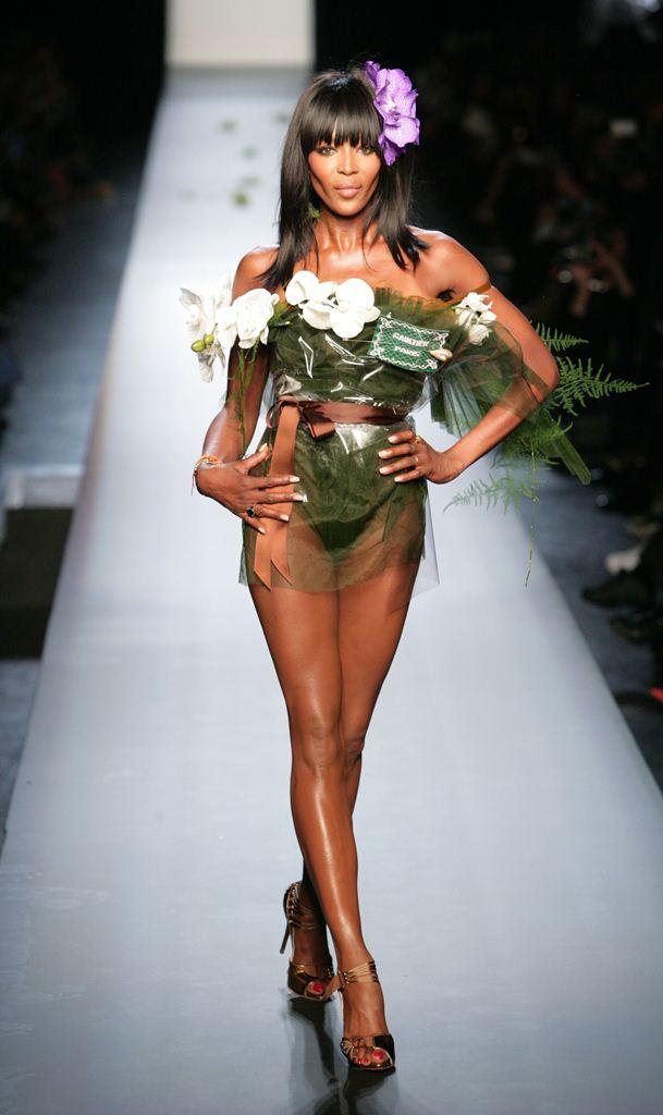 провокационные наряды на неделе моды в Париже2015 Жан-Поль Готье