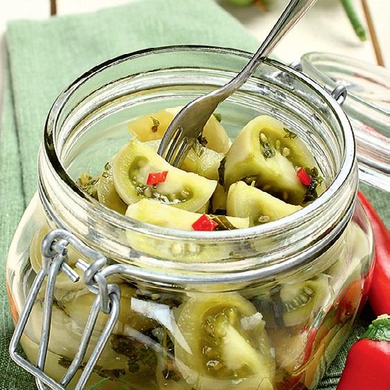салат из зеленых помидоров с чесноком на зиму