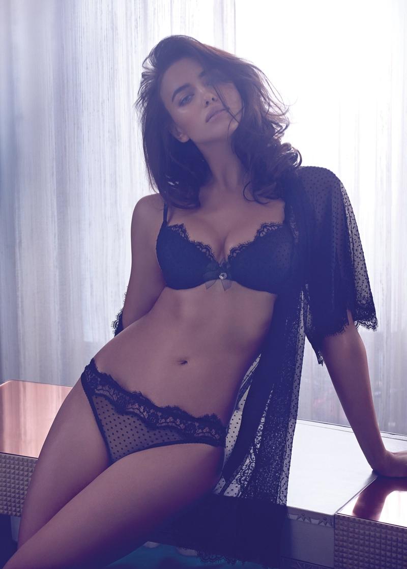 Ирина Шейк фото в белье тело фигура