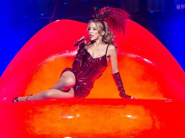 Селфи в бикини: самые пикантные фото звезд в бикини из соцсетей (фото) картинки