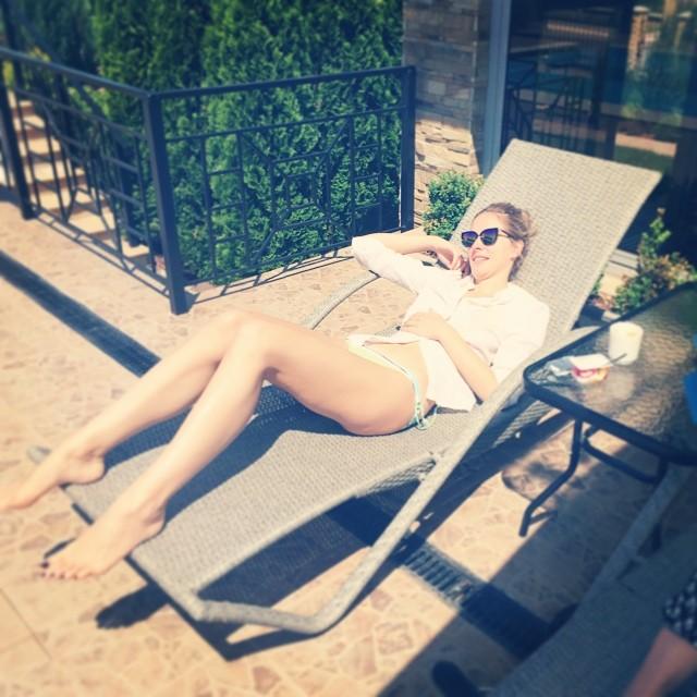Катя Осадчая фото ноги фигура