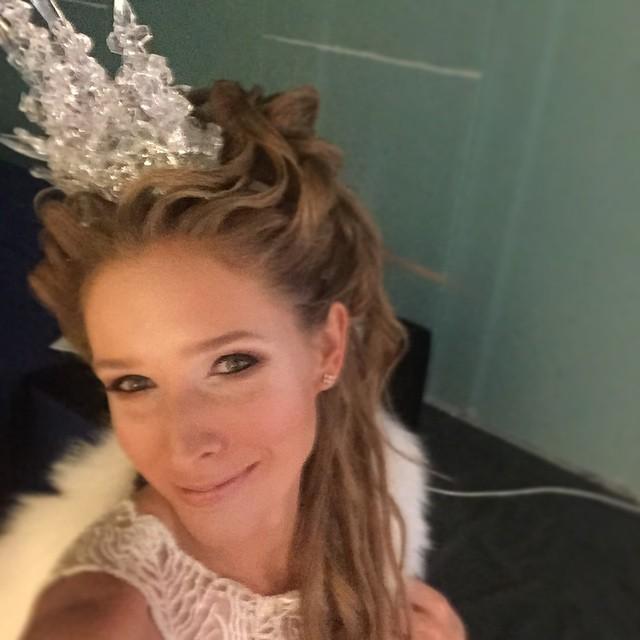 Новогодний образ Кати Осадчей СНежная Королева фото
