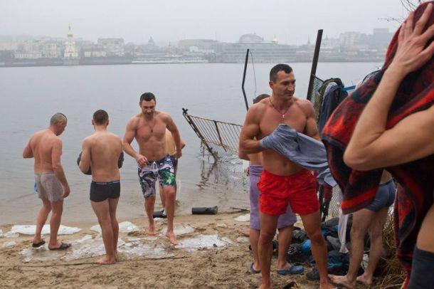 Владимир и Виталий Кличко Крещение 2015 Днепр фото