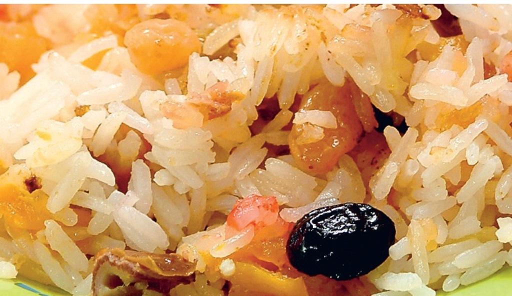 кутья из риса и сухофруктов