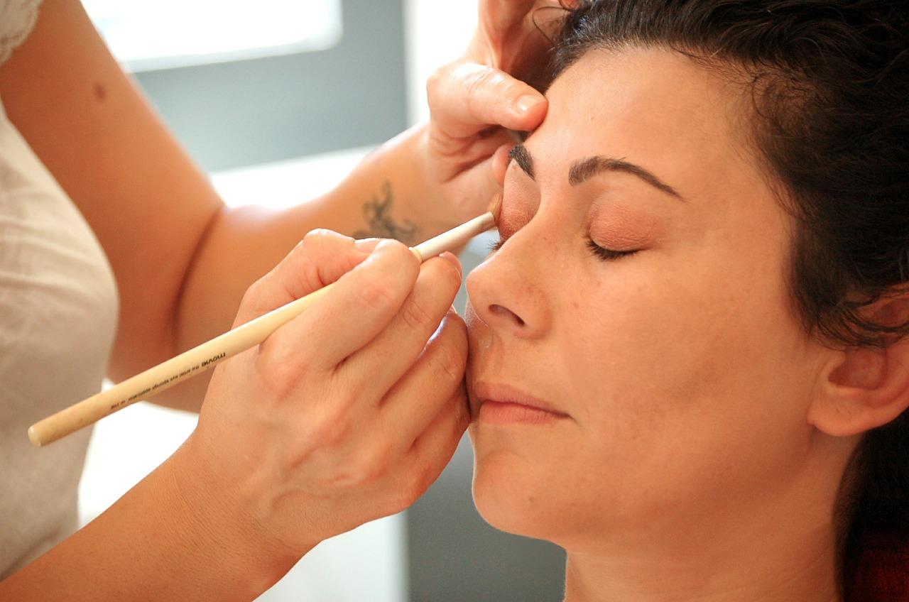 Как сделать макияж утром быст