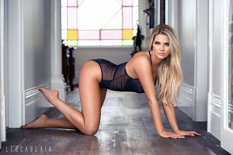 Модель Playboy Сара Харрис