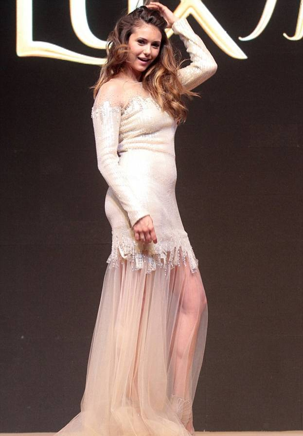 Нина Добрев беременная фото