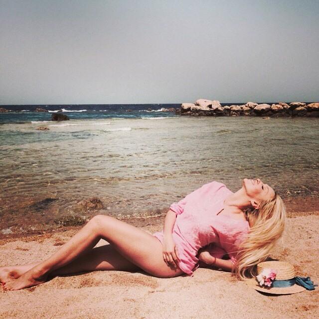 Оля Полякова в бикини без фотошопа фото