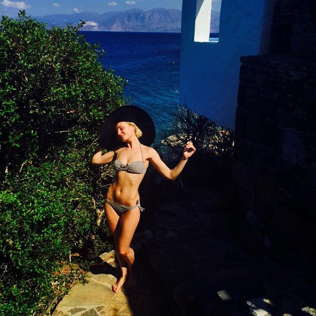 Полина Гагарина в бикини фото
