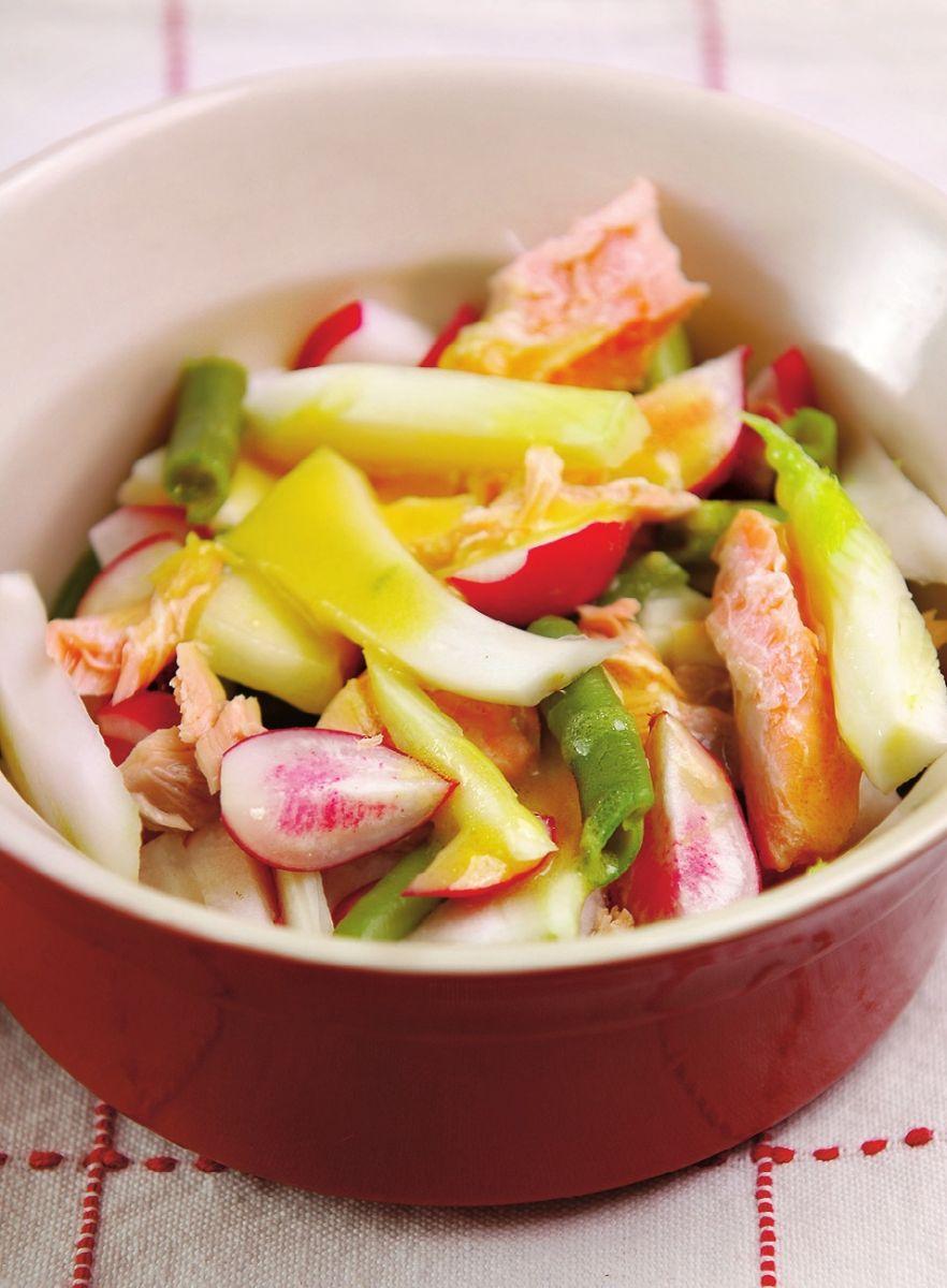 Салат из редиса и семги
