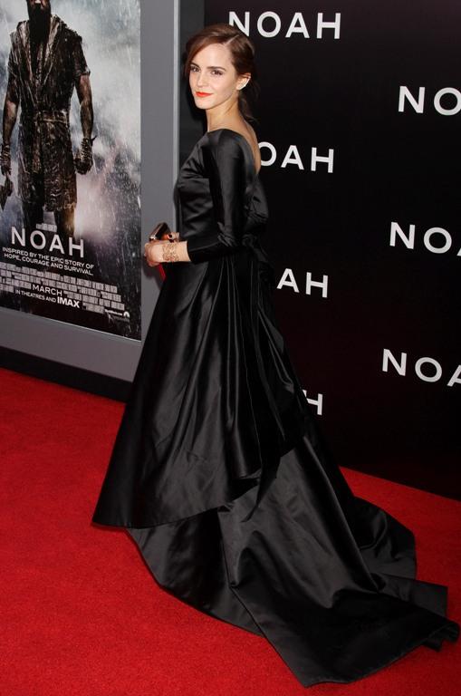 Эмма уотсон и черное платье