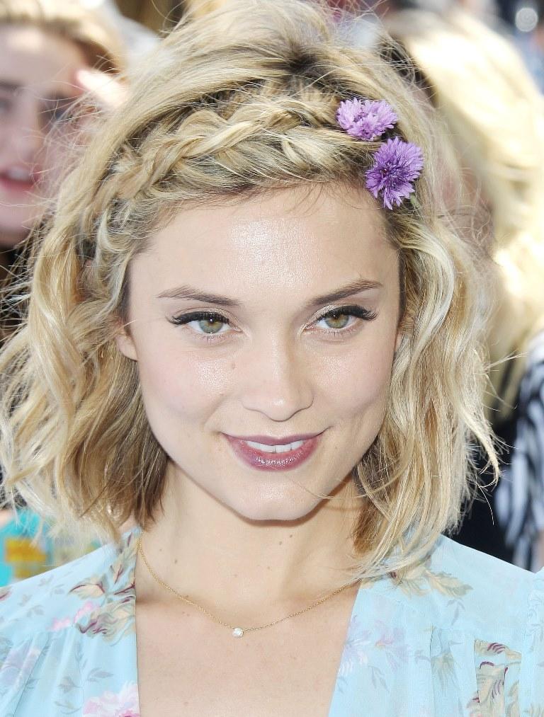 модная прическа май 2015 косы