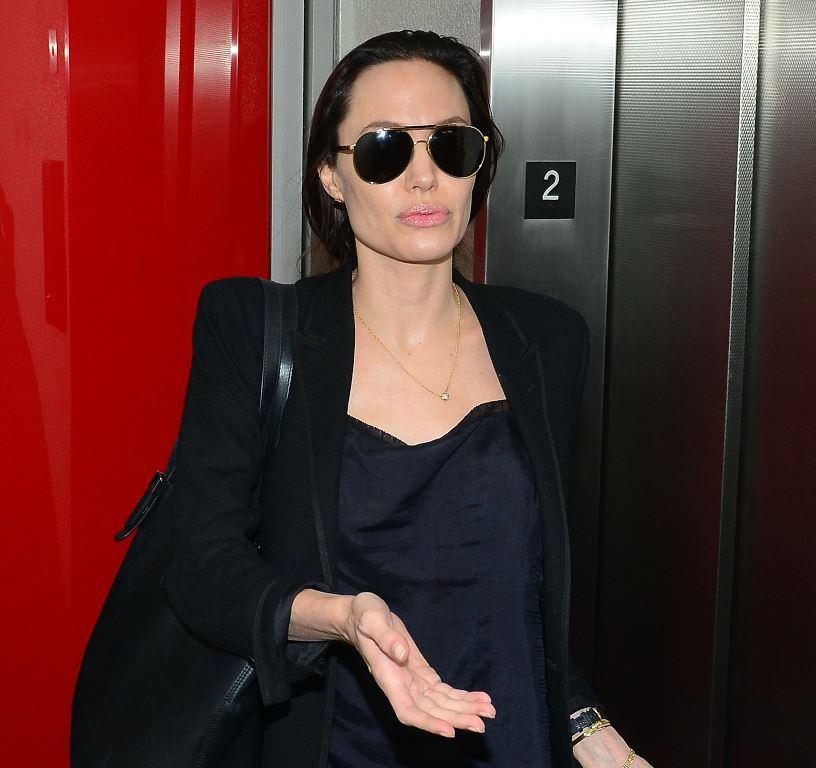 Анджелина Джоли больна