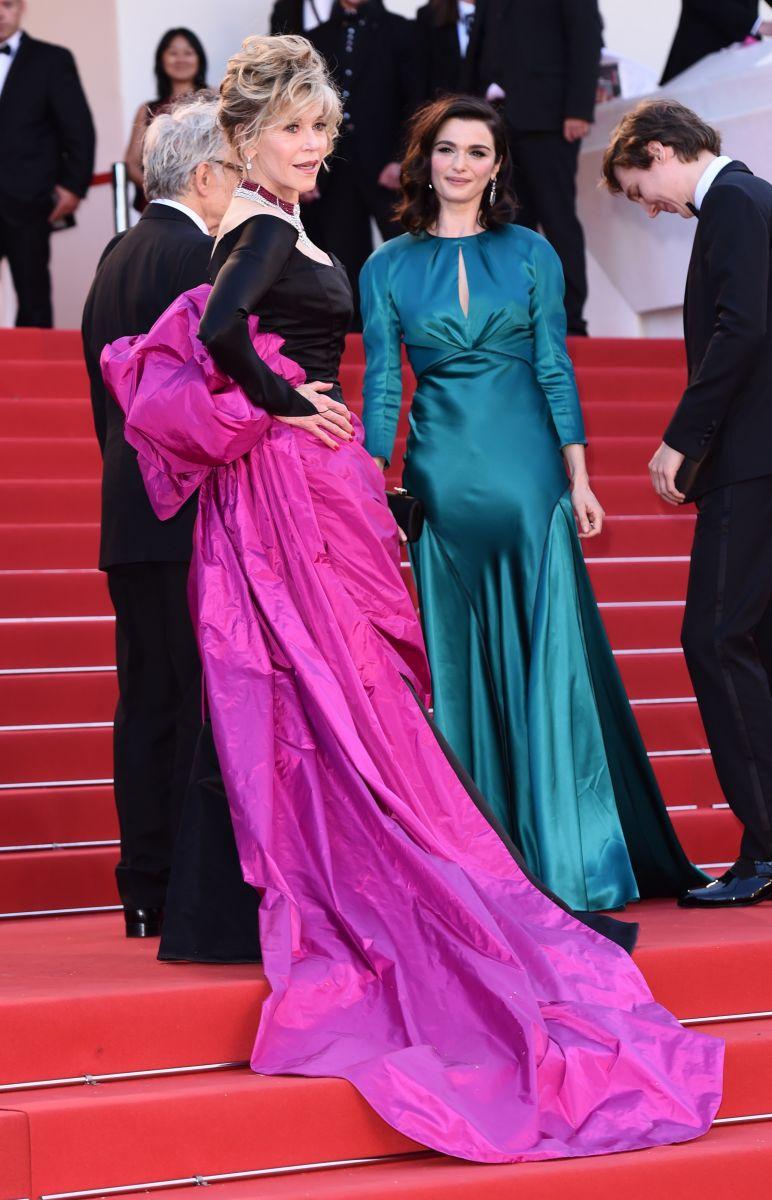 Смотреть 5 любимых трендов Ким Кардашьян, которую признали модной иконой видео