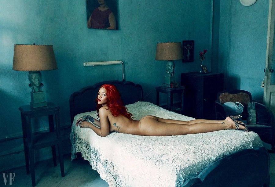 Рианна снялась в откровенной фотосессии в стиле ретро