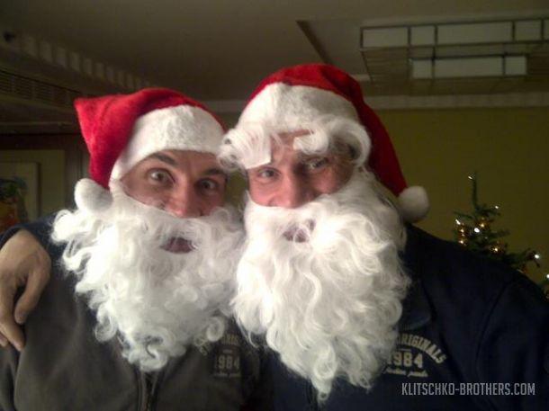 Владимир Виталий Кличко Новый год 2015 Дед Мороз фото