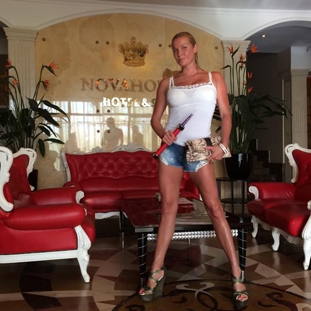 Анастасия Волочкова фото в мини